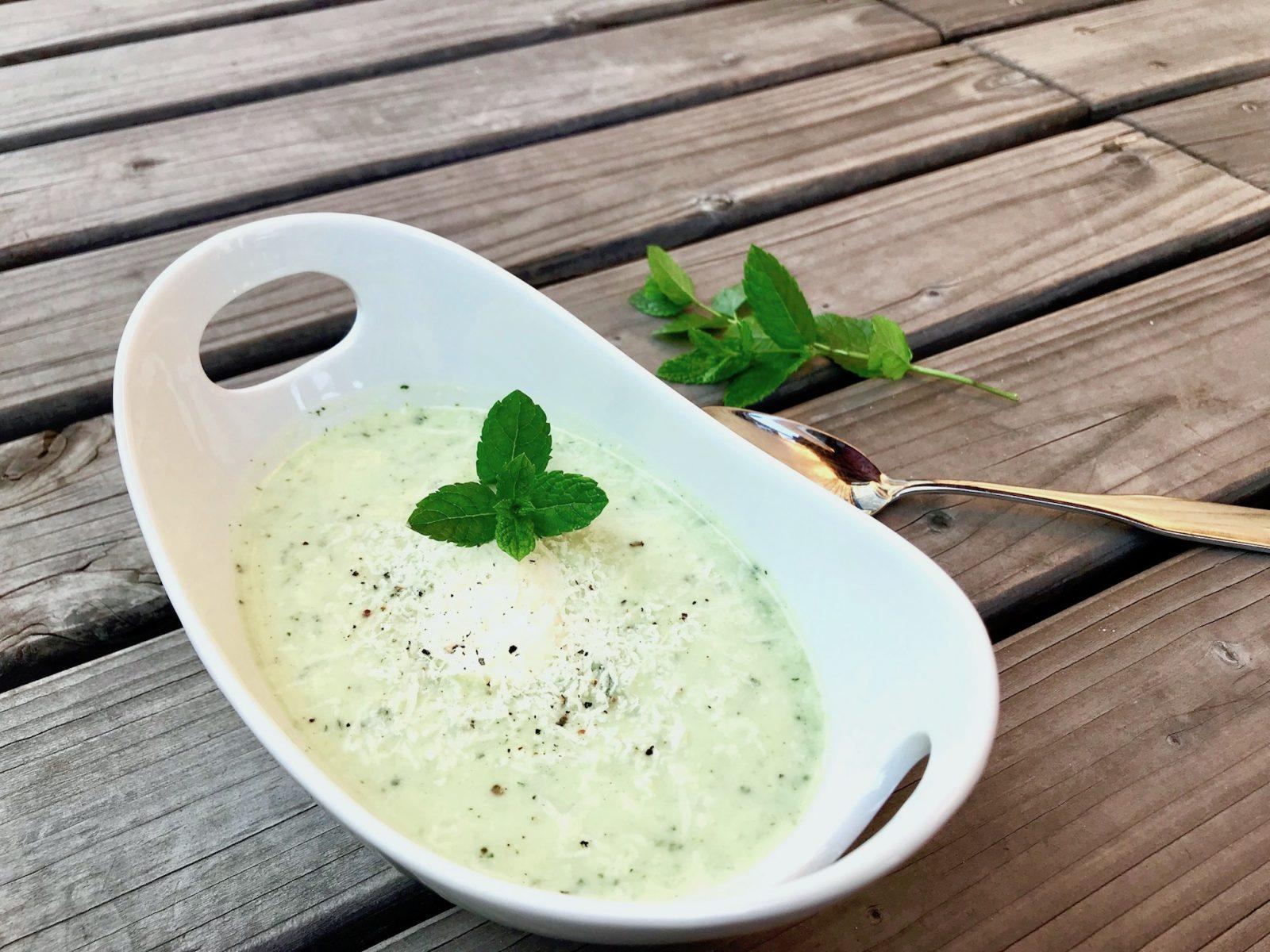 Kalte Zucchini-Suppe