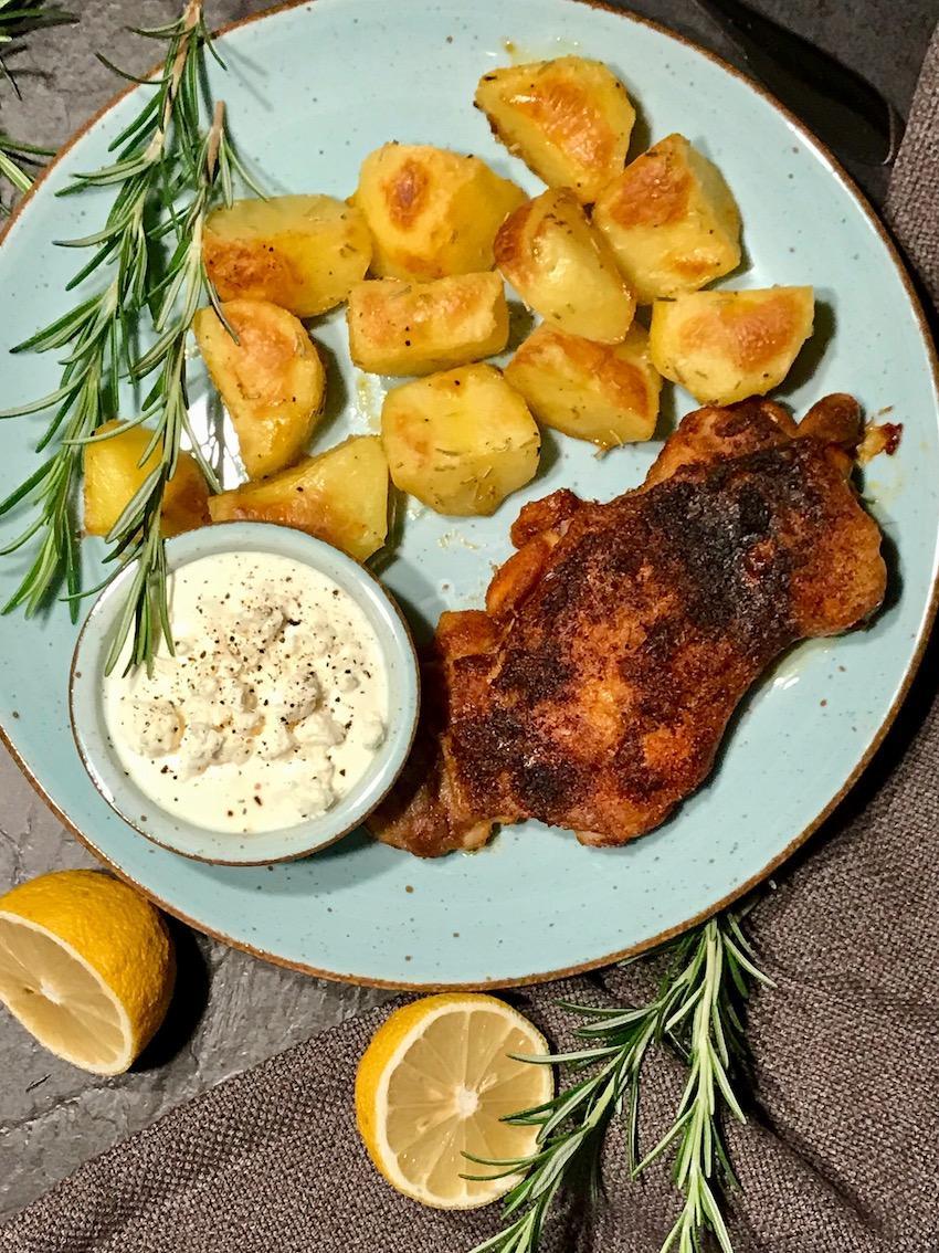 Röstkartoffeln mit Pollo fino und Schafskäse-Dipp