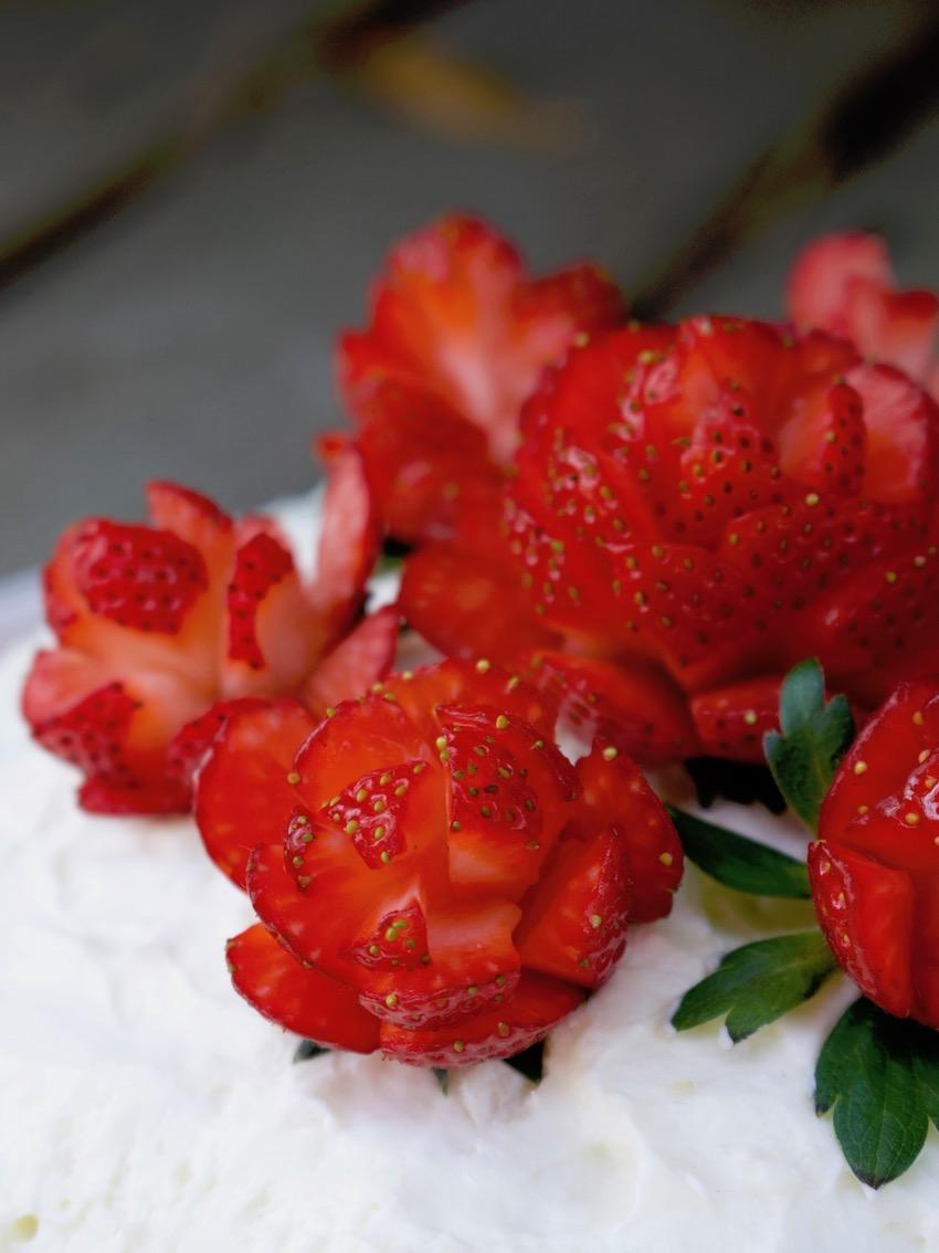 Rosen aus Erdbeeren