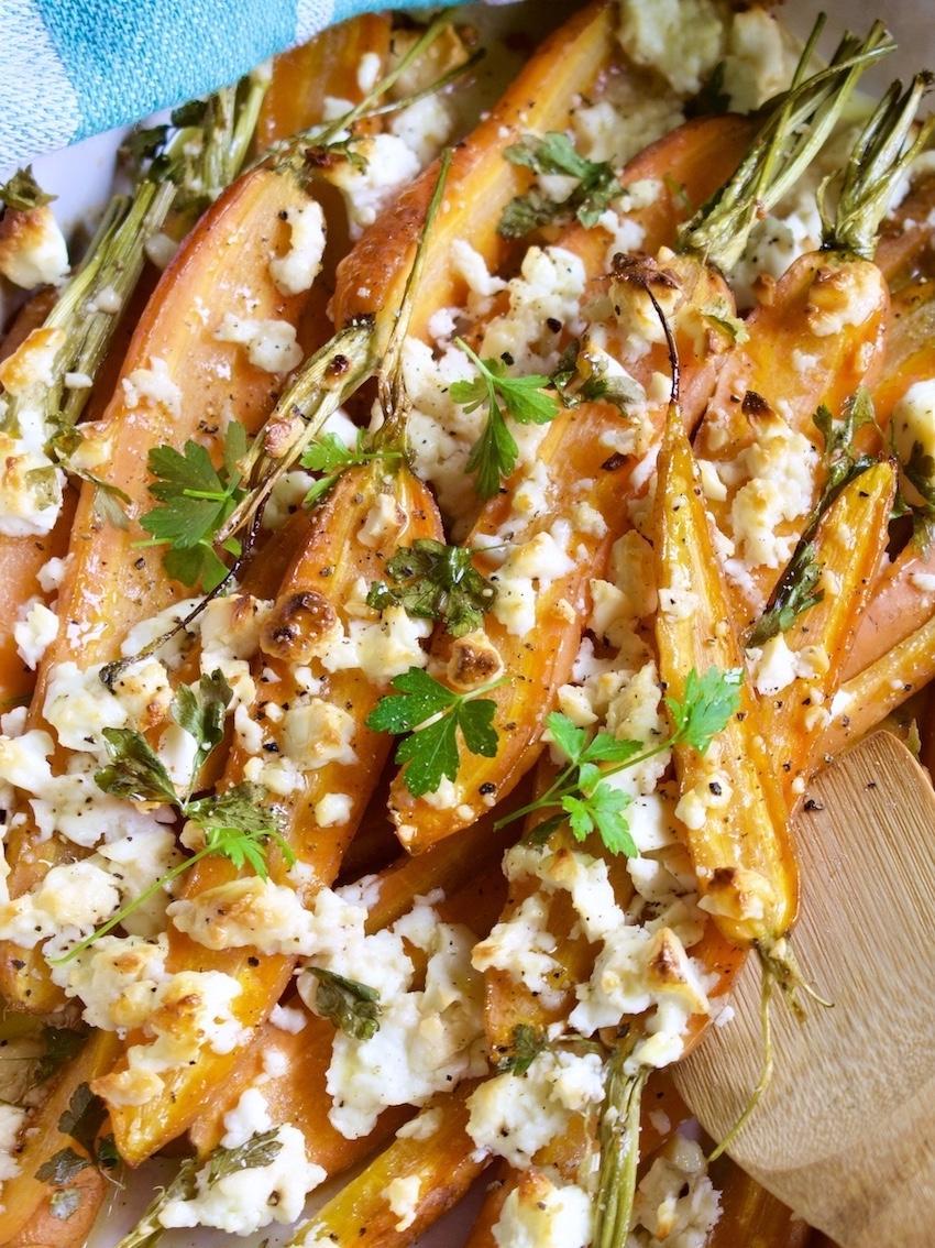 Karotten mit Schafskäse aus dem Ofen
