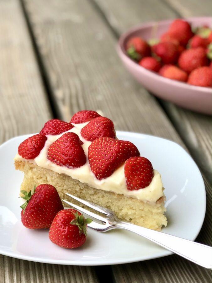 Einfacher Erdbeer-Pudding-Kuchen