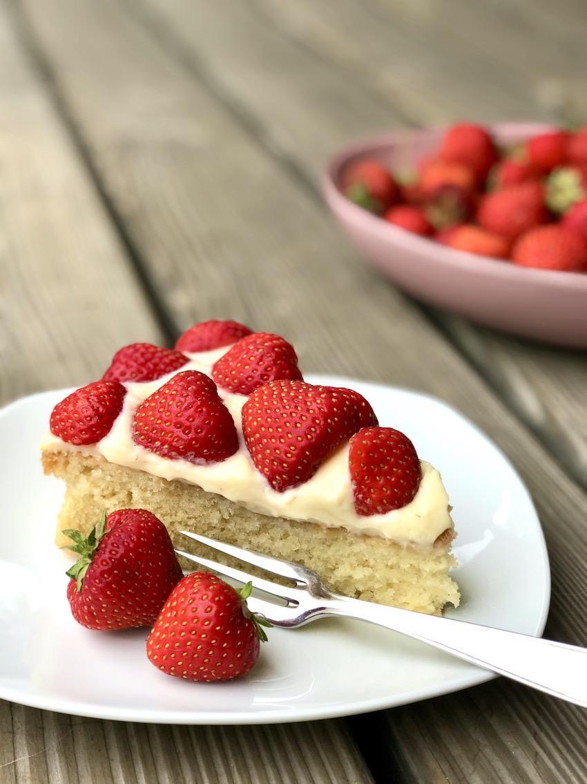 Einfacher Erdbeer-Puddingkuchen