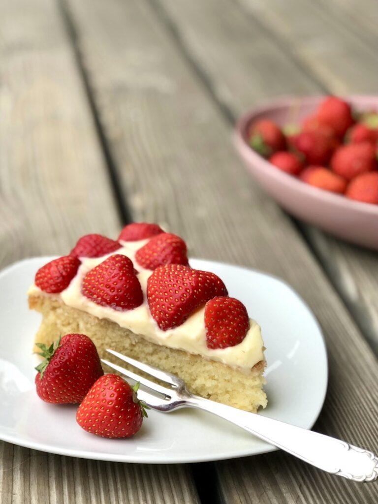Easypeasy Erdbeer-Pudding-Kuchen