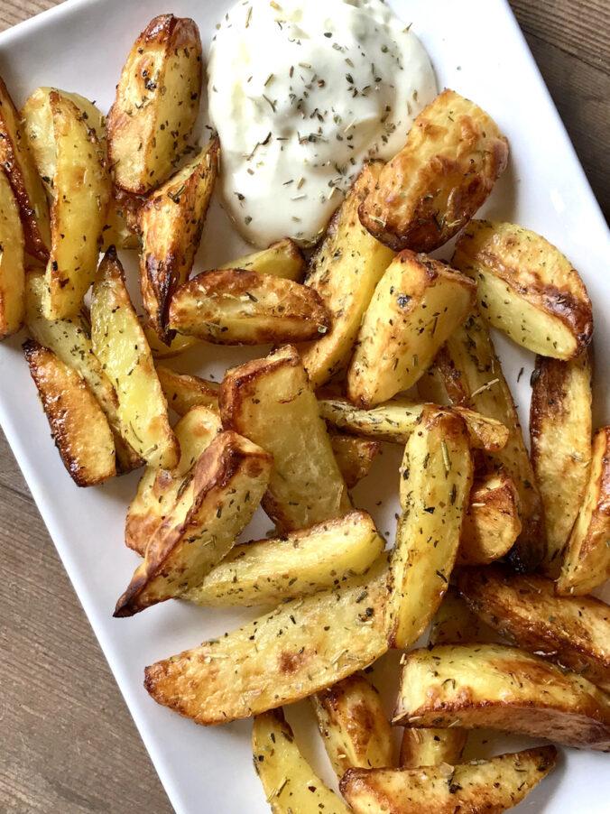 Mediterrane Kartoffelspalten aus dem Ofen